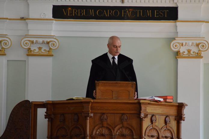 Szolgálatot végez Gáll Sándor kancellár
